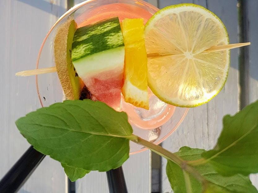 Domowa lemoniada dla dzieci - lemoniada z mango