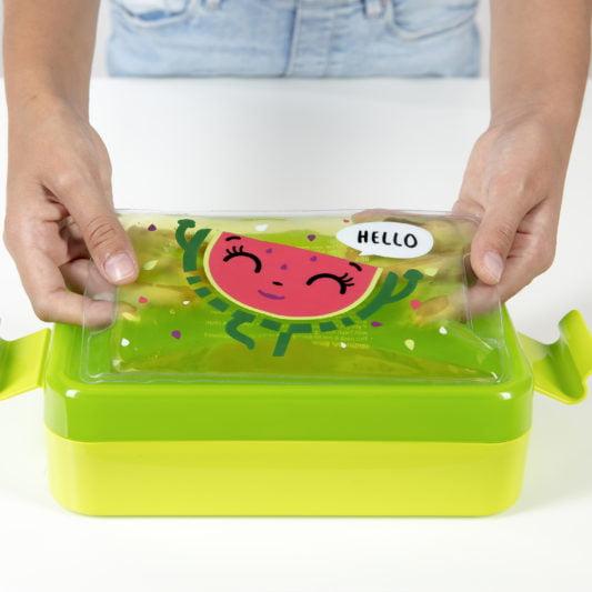 Zielony pojemnik na jedzenie z zelem