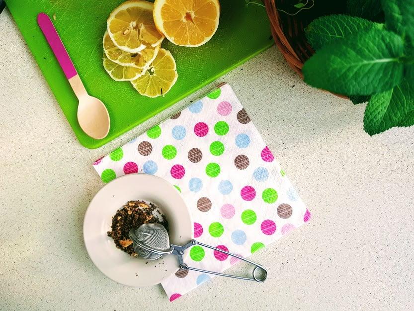 Zdrowe napoje dla dziecka - herbaty z suszu owocowego
