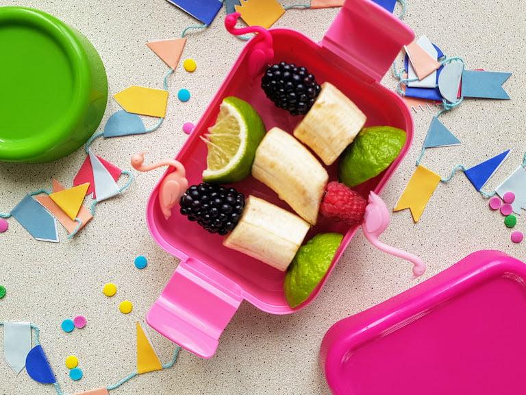 Zdrowe słodycze dla dzieci - owocowe szaszłyki