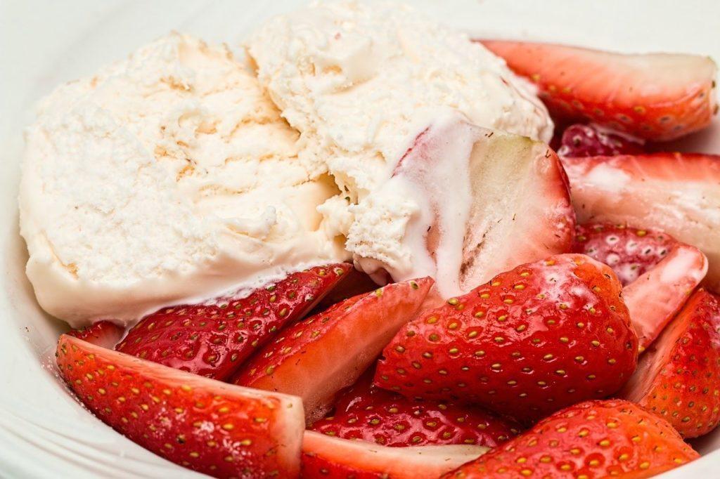 domowe lody truskawkowe przepis