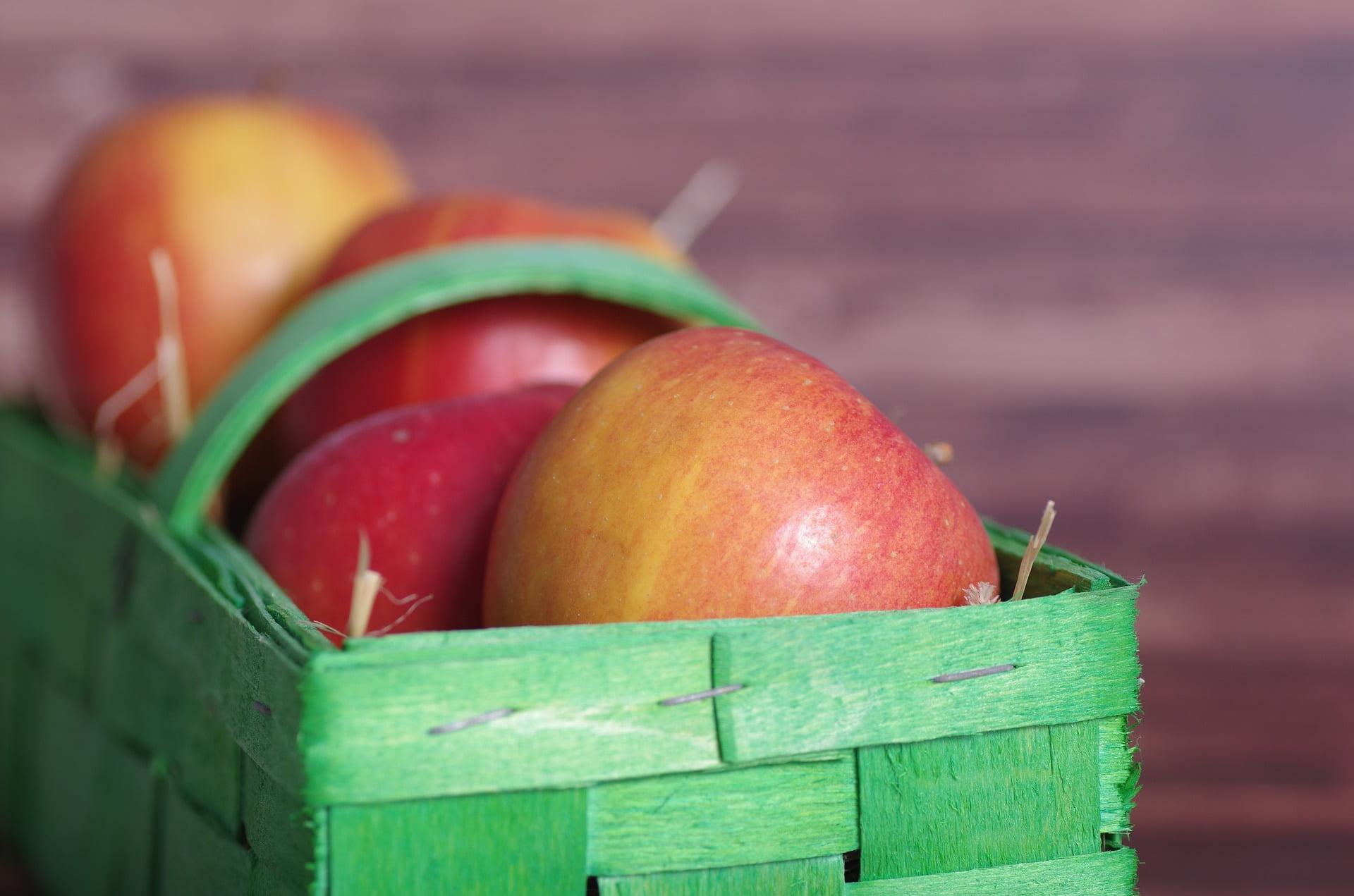 jablka jak myc z wosku