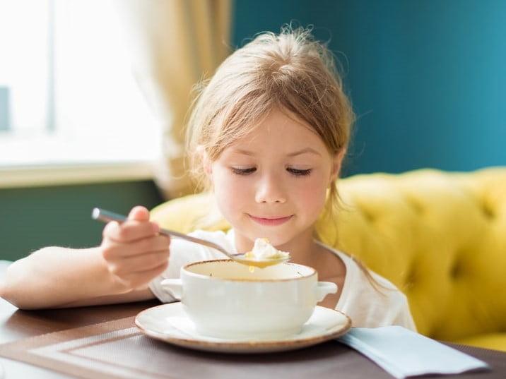 zupa buraczkowa dla dzieci przepis