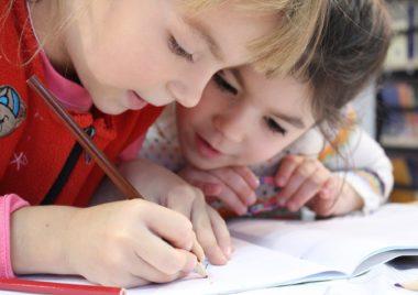 odrabianie lekcji z dzieckiem 8 porad