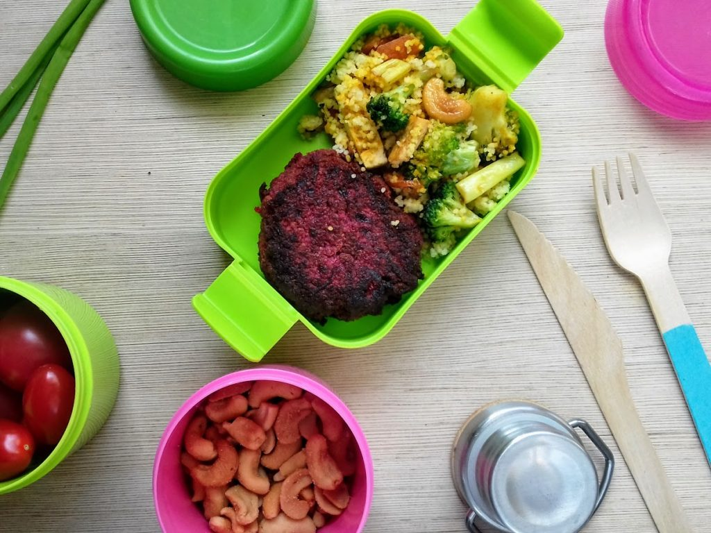 kotlety z burakow i kaszy jaglanej do lunchboxa