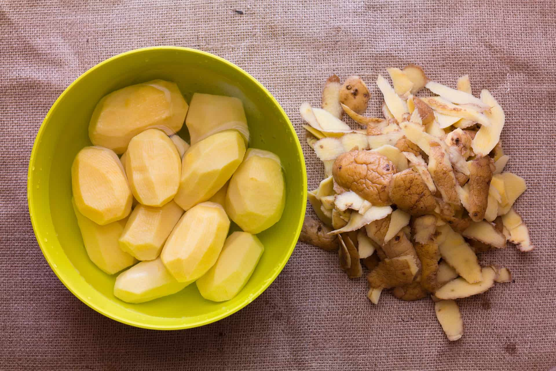 chipsy z obierek ziemniakow przepis