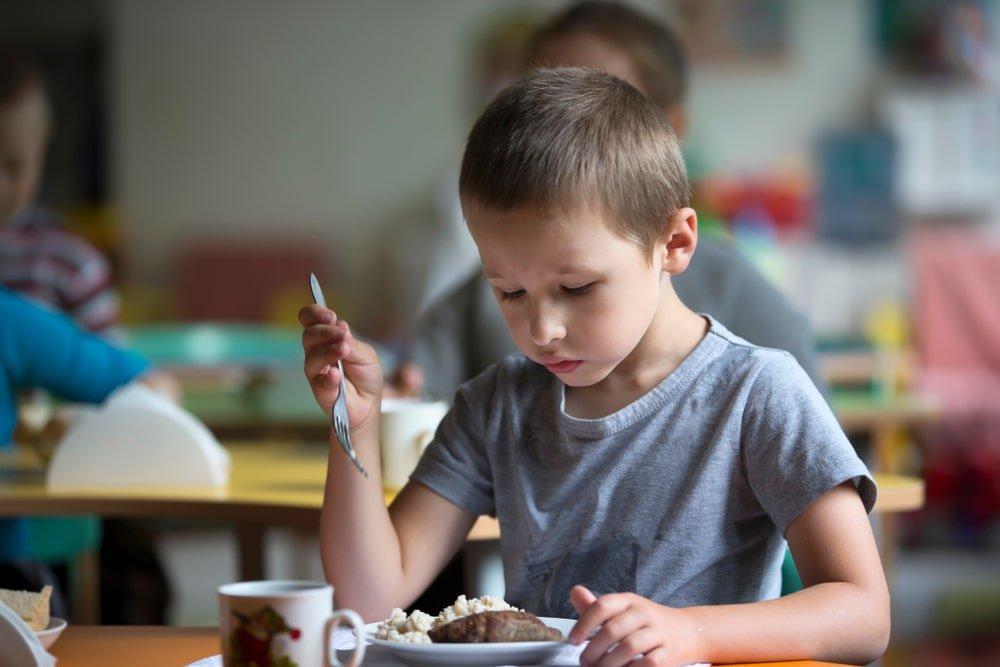 dziecko nie chce jesc w szkole sposoby
